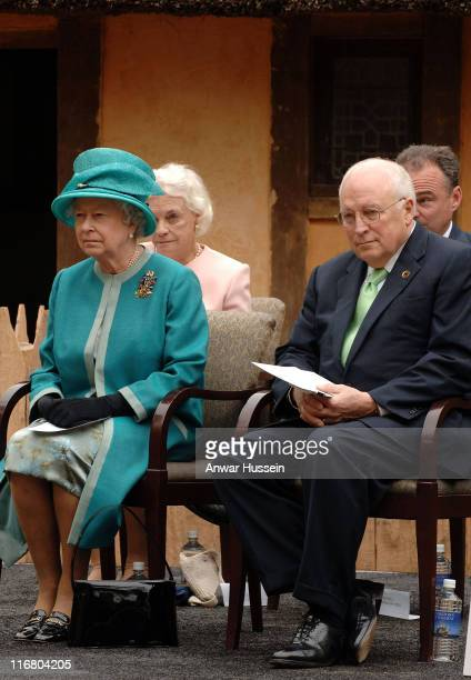 Queen Elizabeth II with US VicePresident Dick Cheney at Jamestown Settlement in Virginia on May 4 2007 This is the second day of a six day state...