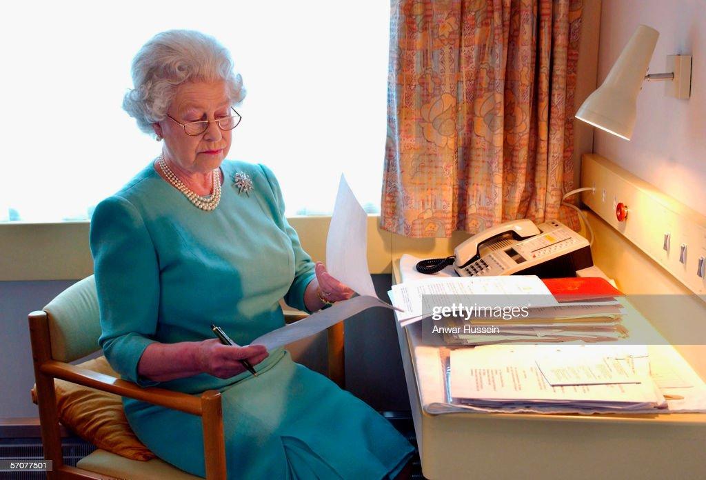 Queen Elizabeth II  80 Years Old On 21 April  2006