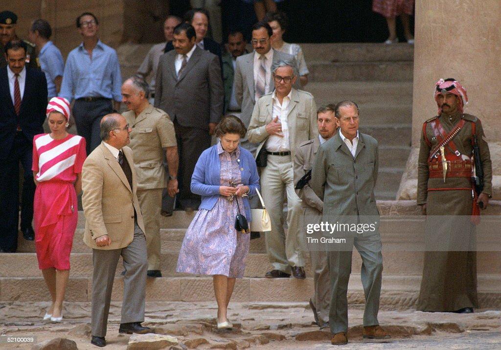 Queen In Jordan And Michael Shea : News Photo