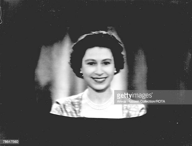 Queen Elizabeth ll delivers her Christmas speech at Buckingham Palace on December 25 1957 in London England The Queen's Christmas Speech in 2007...