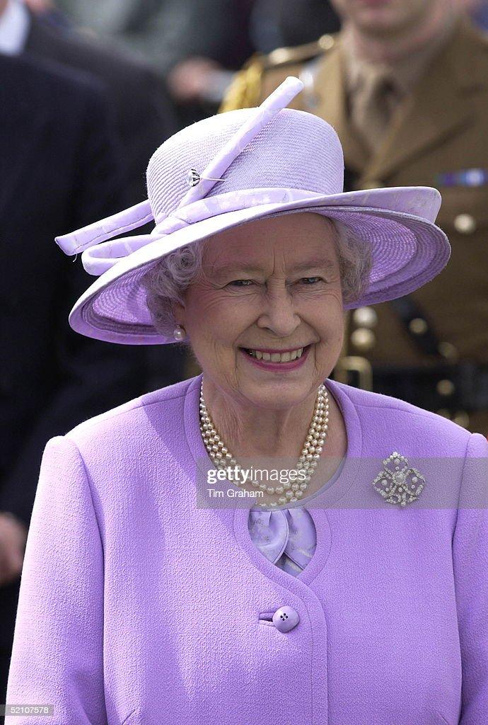 Queen Northern Ireland : News Photo