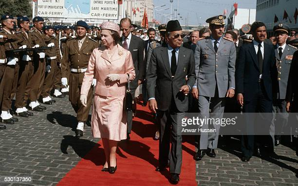 CASABLANCA MOROCCO OCTOBER 27 Queen Elizabeth ll is met by King Hassan as she arrives in Casablanca on October 27 1980 in Casablanca