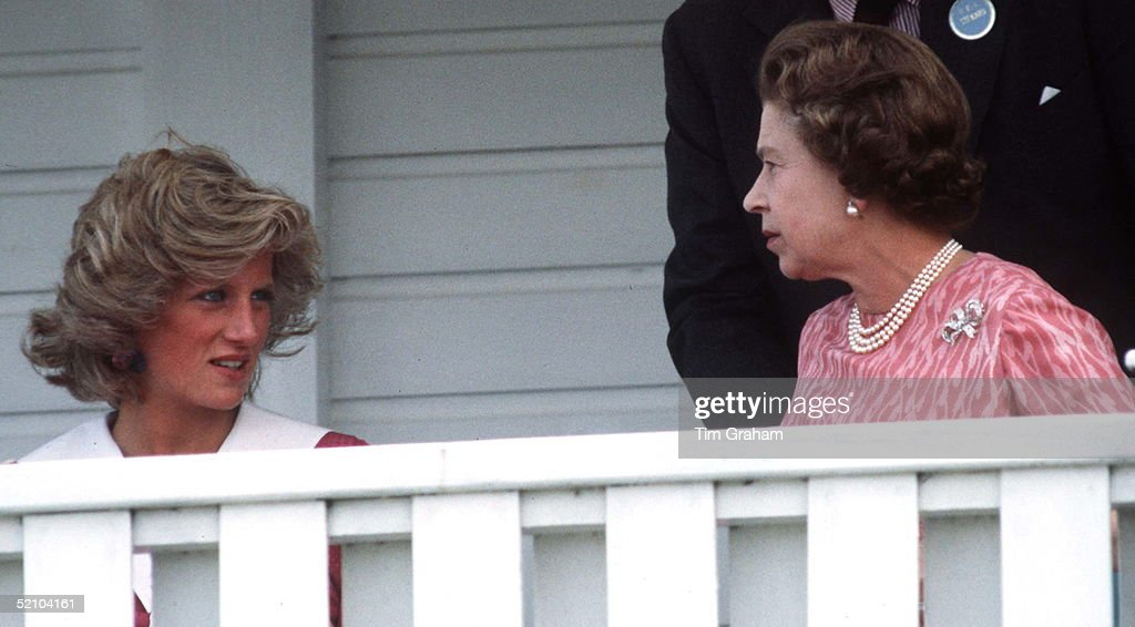 Diana And Queen Together- : News Photo