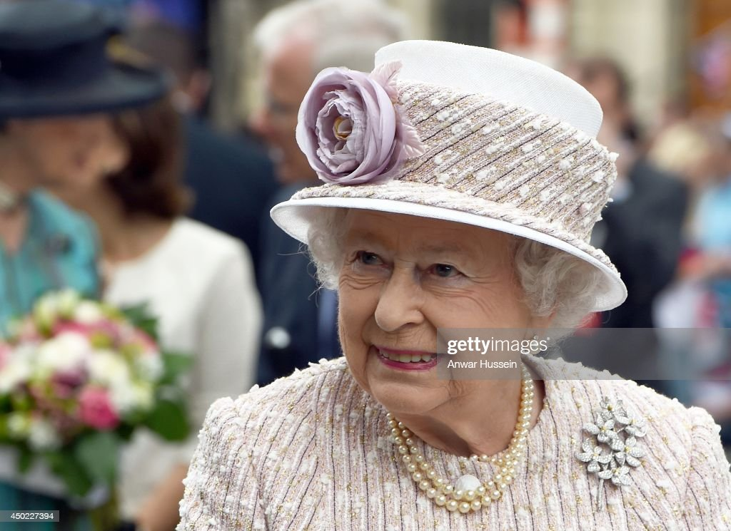 Queen Elizabeth ll visits the Marche aux Fleurs et aux Oiseaux on June 7, 2014 in Paris, France.