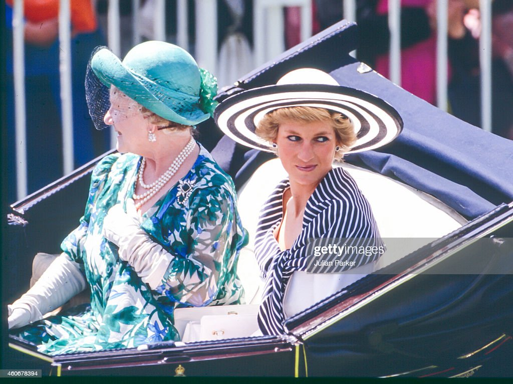 Members of The Royal Family attend The Royal Ascot Race meeting 1988 : News Photo