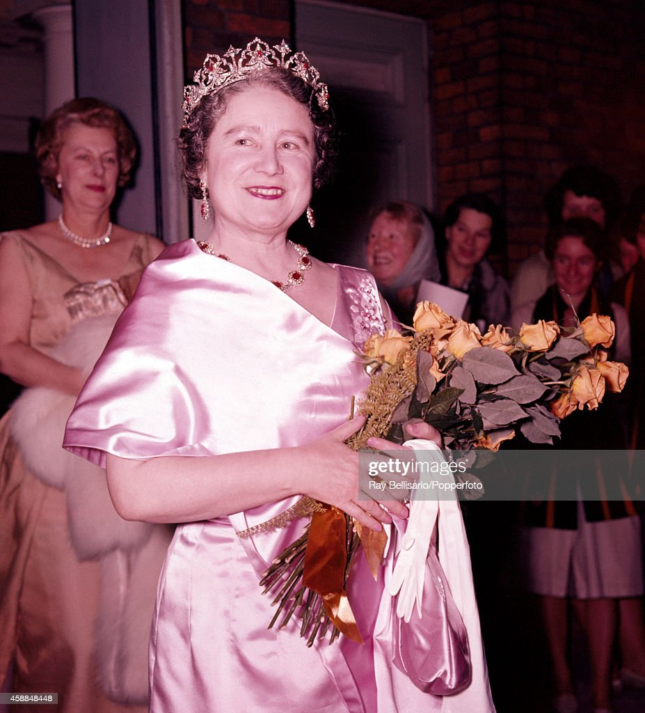 Queen Elizabeth The Queen Mother : News Photo