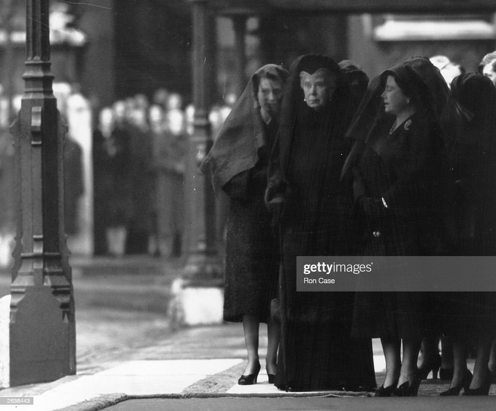 Queen Elizabeth The Queen Mother (1900 - 2002) (right) in mourning with Queen Elizabeth II and Queen Mary (centre) at the funeral of King George VI.