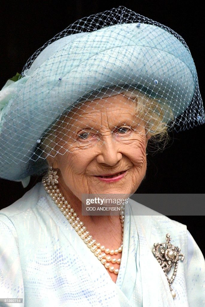Queen Elizabeth, the Queen mother, is photographed on her 101st birthday at Clarence house in London 04 August 2001. AFP PHOTO Odd ANDERSEN
