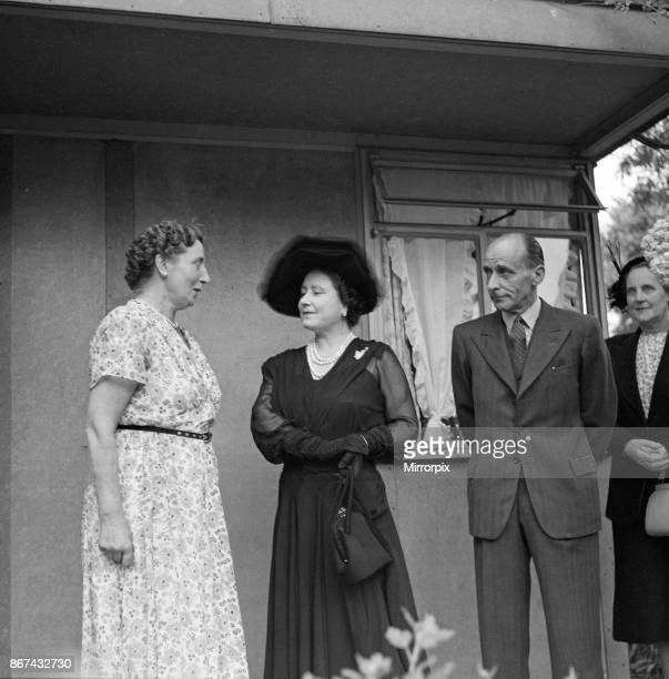 Queen Elizabeth The Queen Mother visits the garden of Mrs Lena Atkinson in Streatham, 17th July 1952.