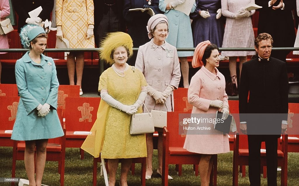 Vibrant Royals : News Photo