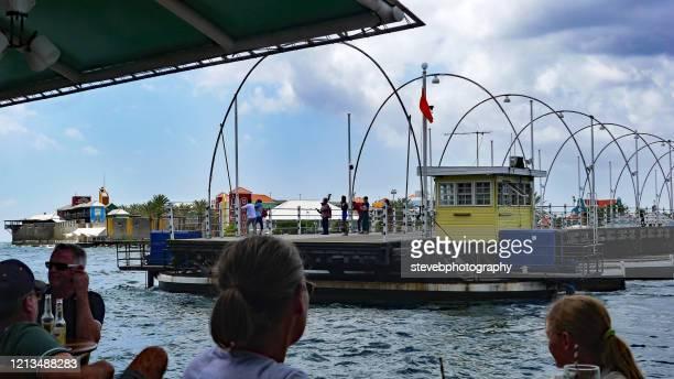 queen emma pontoon bridge - stevebphotography stock pictures, royalty-free photos & images