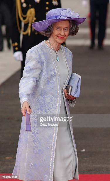Queen Fabiola of Belgium arrives to attend the wedding between Spanish Crown Prince Felipe de Bourbon and former journalist Letizia Ortiz at the...