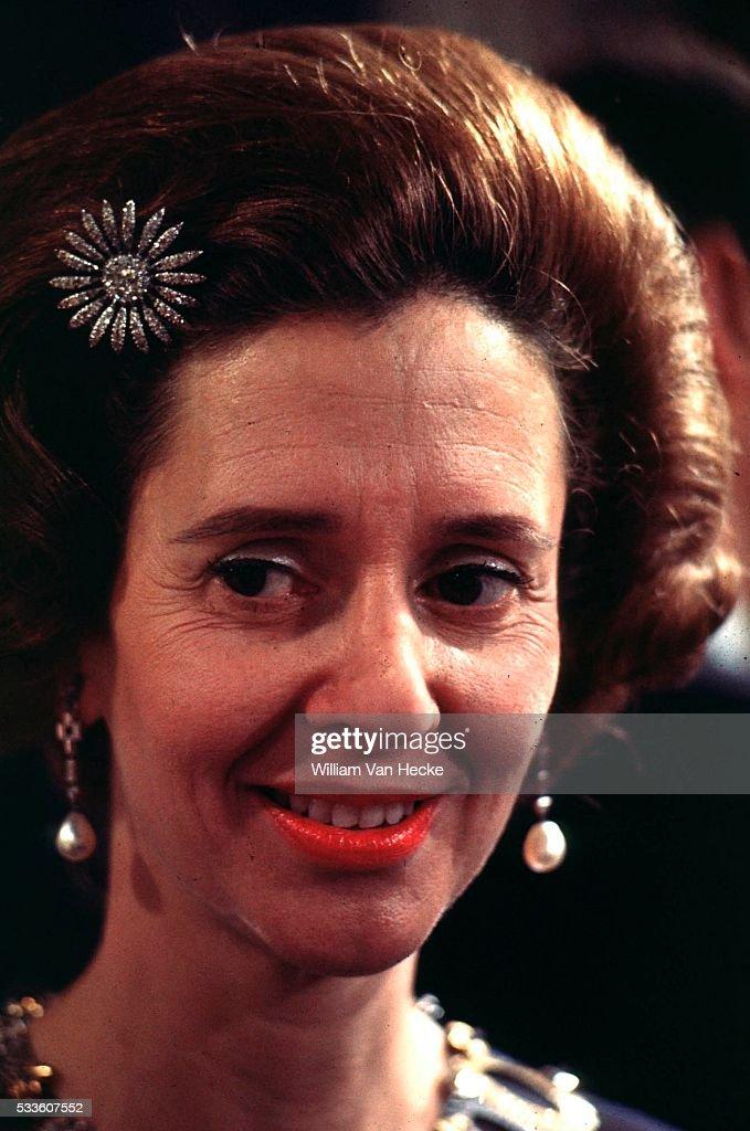 Queen Fabiola of Belgium... : Nieuwsfoto's