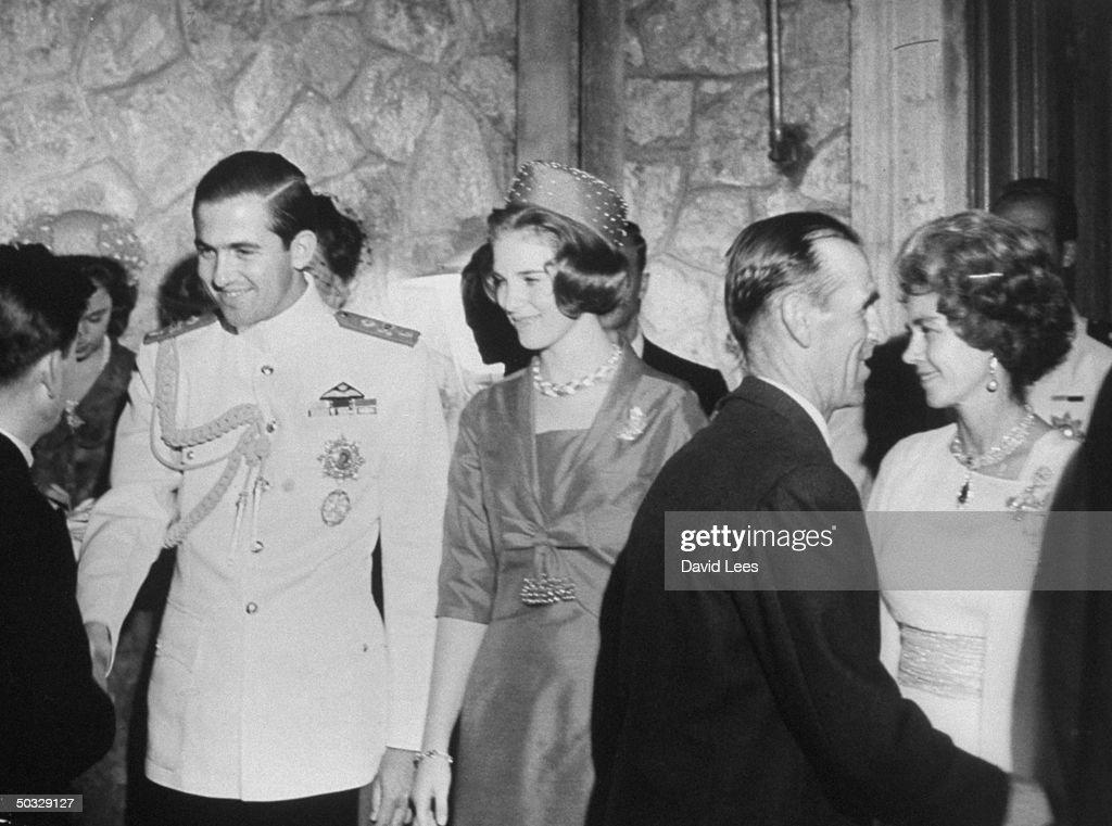 Frederika [& Family] [RF: Greece RF];Constantine II [& Wife] [RF: Greece RF] : Photo d'actualité