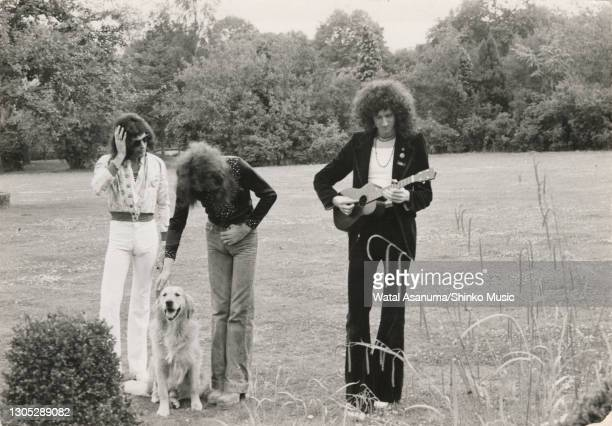 Queen in the grounds of Ridge Farm Studio during the recording of their album 'A Night At The Opera', Surrey, United Kingdom, 14th July 1975. Freddie...