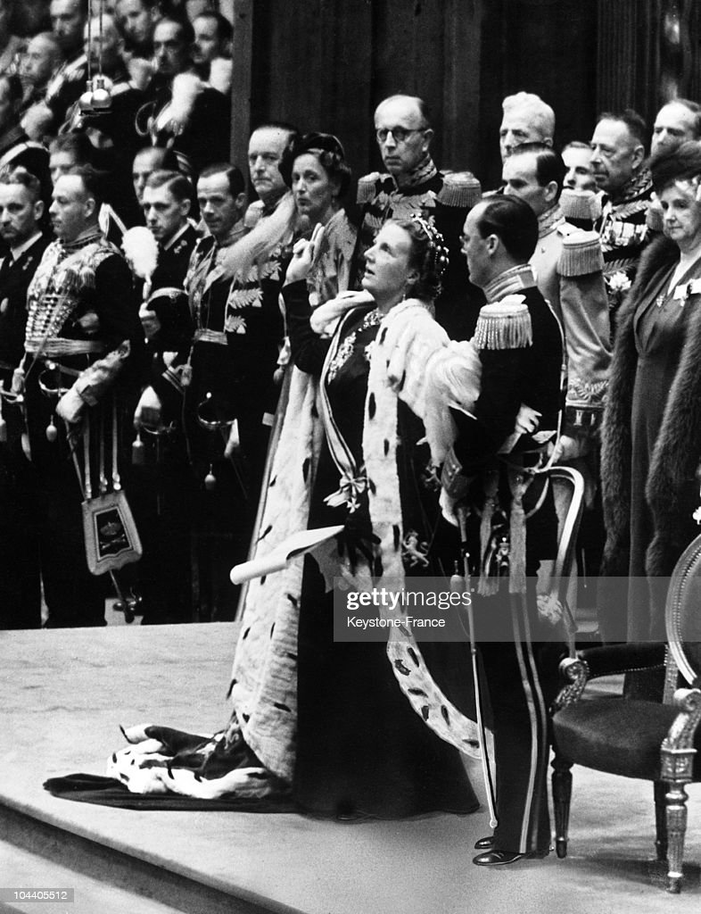 Queen Juliana Of Holland Taking The Oath : News Photo