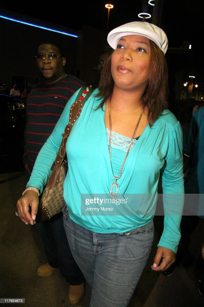 Queen Latifah during Boost Mobile Presents ZO and Magic's 8 Ball Challenge Celebrity Pool Tournament at Jillian's of Houston in Houston, Texas, United States.