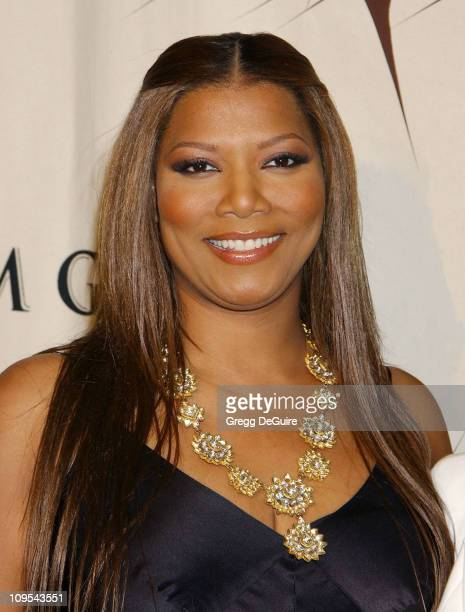 Queen Latifah during VH1 Divas Duets: A Concert to Benefit the VH1 Save the Music Foundation - Backstage at MGM Grand Hotel in Las Vegas, Nevada,...