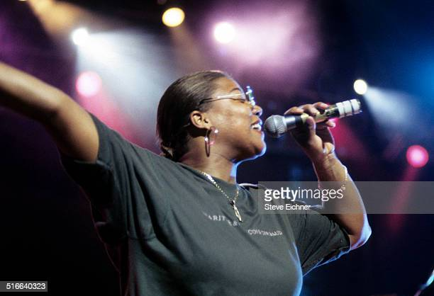 Queen Latifah performs at Beacon Theatre New York June 24 1994