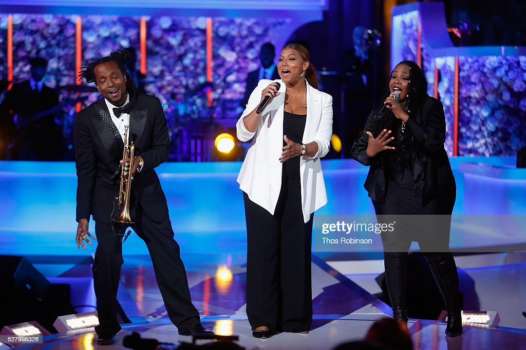 Queen Latifah (C) performs onstage at VH1's 'Dear Mama' Event on May 3, 2016 in New York City. Tune-in to VH1 on Sunday, May 8, 2016 at 9pm to watch 'Dear Mama'.