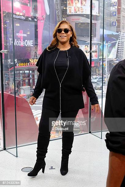 Queen Latifah visits 'Extra' at their New York studios at HM in Times Square on October 4 2016 in New York City