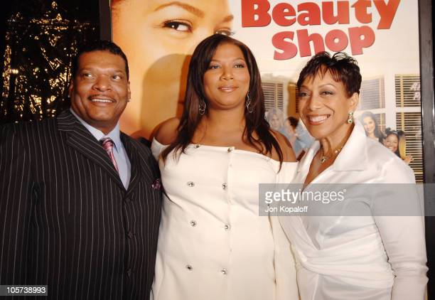 Queen Latifah With Father And Mother During Beauty Shop World Premiere At Graumans Chinese