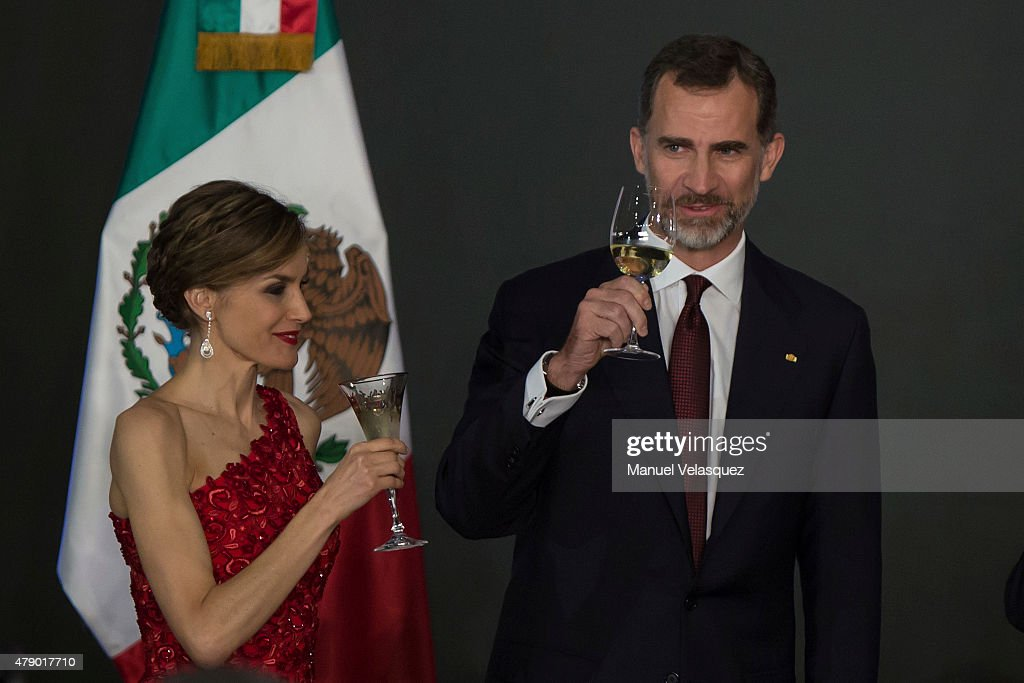 King Felipe VI and Queen Letizia of Spain Visit Mexico - Day 1 : News Photo