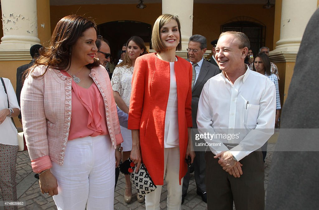 Queen Letizia is accompanied by Honduras' First Lady Ana Garcia de Hernandez in the central park of Comayagua, 80 km north of Tegucigalpa, during an official visit on May 26, 2015 in Honduras. Queen Letizia started a two-day visit to Honduras to supervise Spanish cooperation programs in the country.