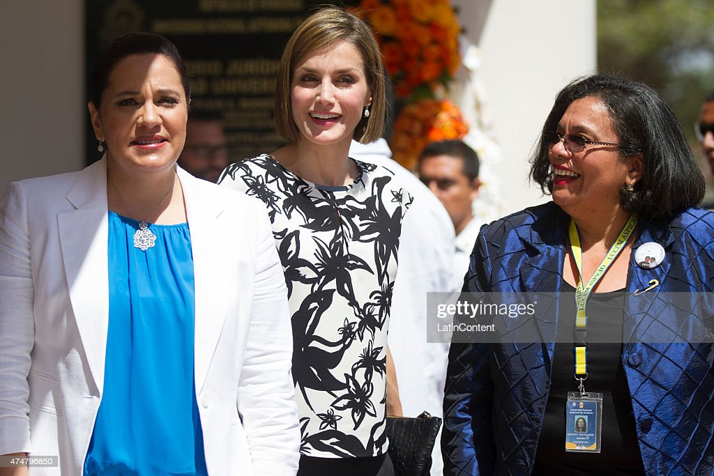 Queen Letizia (center) is accompanied by Honduras' First Lady Ana Garcia de Hernandez (left) and UNAH rector Julietta Castellanos (right) during a visit to the Universidad Nacional Autonoma, on May 26, 2015 in Tegucigalpa Honduras. Queen Letizia started a two-day visit to Honduras to supervise Spanish cooperation programs in the country.