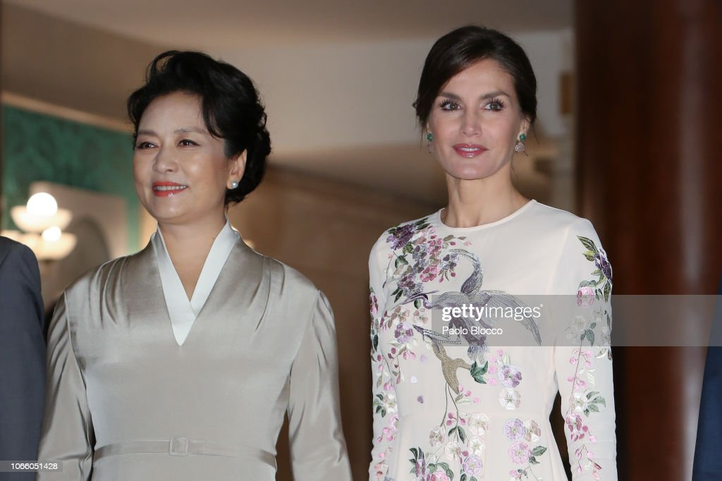 Queen Letizia And Chinese First Lady Peng Liyuan Arrives At The Royal Theatre : News Photo