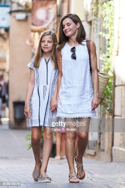 Queen Letizia of Spain and her daughter Princess Sofia of Spain visit the Can Prunera Museum on August 6, 2017 in Palma de Mallorca, Spain.