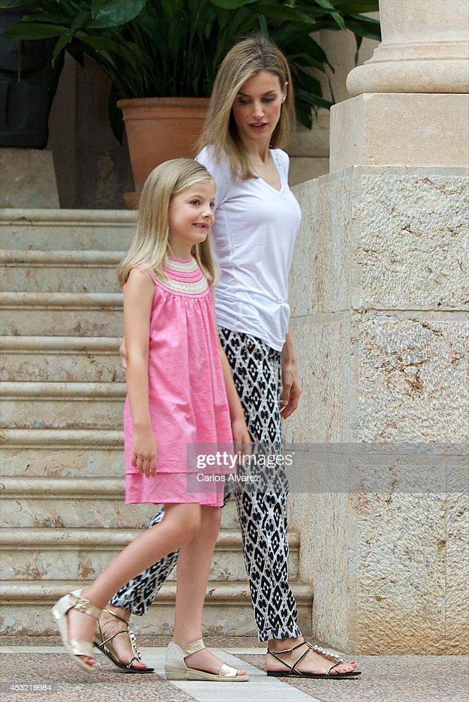 Spanish Royals Arrive at Palma de Mallorca : News Photo