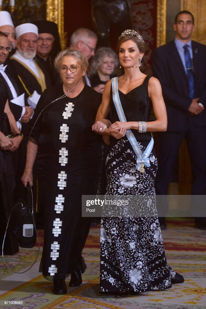 Queen Letizia of Spain (R) and Israeli President wife Nechama Rivlin (L) attend a Gala Dinner at the Royal Palace on November 6, 2017 in Madrid, Spain.