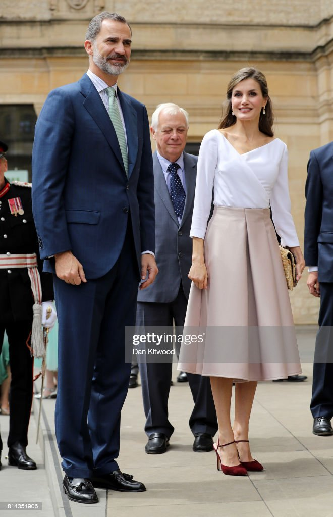 Queen Letizia of Spain (R) and King Felipe of Spain arrive at the Weston Library during their State visit to the UK on July 14, 2017 in Oxford, England. This is the first state visit by the current King Felipe and Queen Letizia, the last being in 1986 with King Juan Carlos and Queen Sofia.