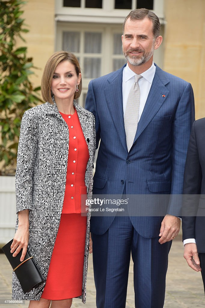 Queen Letizia of Spain and King Felipe of Spain pose in the courtyard of the Hotel Matignon on June 3, 2015 in Paris, France.
