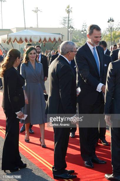 Queen Letizia of Spain and King Felipe VI of Spain arrive for a welcoming ceremony at the Royal Palace on February 13, 2019 in Rabat, Morocco. The...