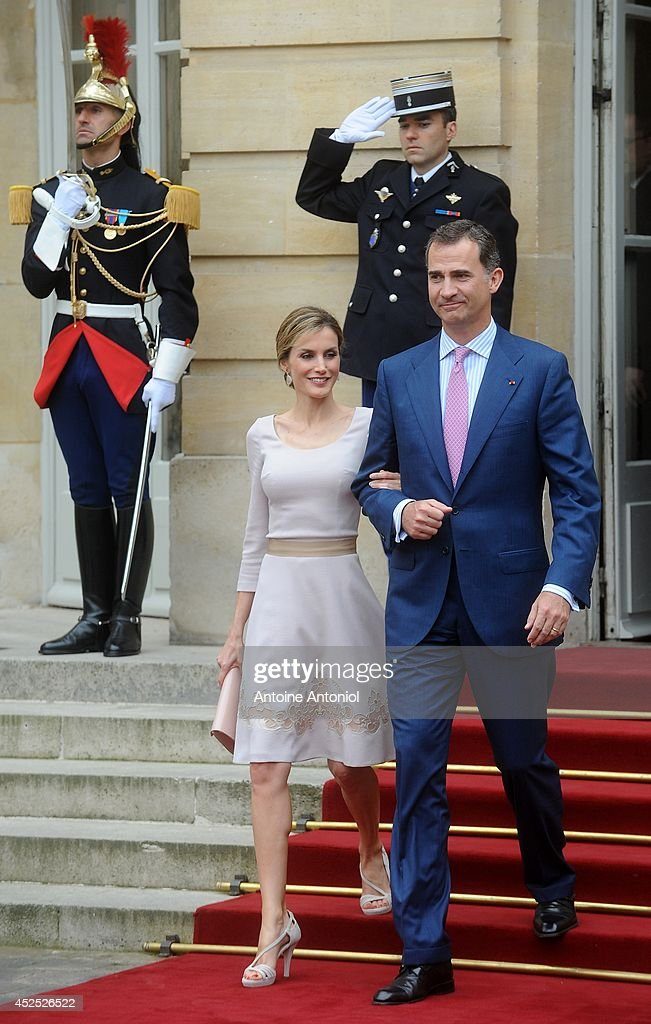 Queen Letizia of Spain and King Felipe VI of Spain leaves the Hotel Matignon on July 22, 2014 in Paris, France. King Felipe VI and Queen Letizia of Spain are on an offical day visit in France.