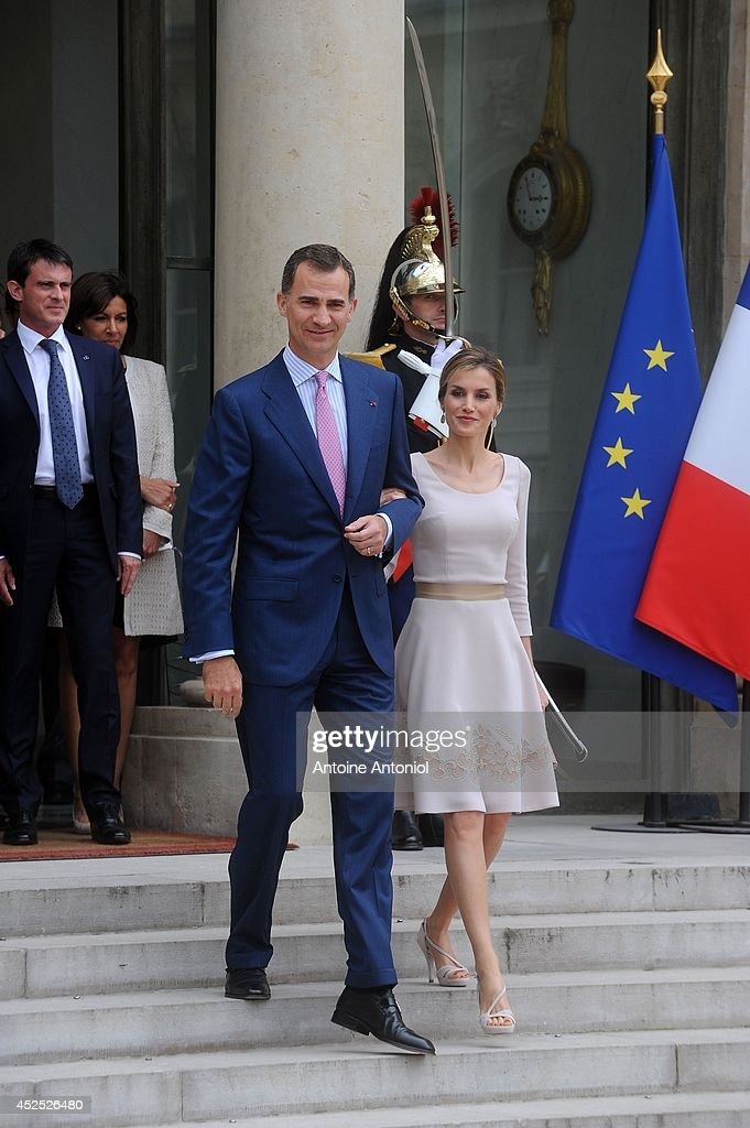 Queen Letizia of Spain and King Felipe VI of Spain leaves the the Elysee Palace on July 22, 2014 in Paris, France. King Felipe VI and Queen Letizia of Spain are on an offical day visit in France.