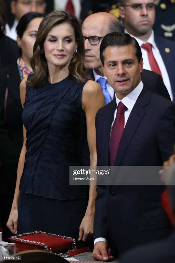 Queen Letizia of Spain and President of Mexico Enrique Peña Nieto attend the World Cancer Leaders Summit Welcome Ceremony at Palacio de Mineria as part of an official visit to Mexico by Queen Letizia of Spain on November 14, 2017 in Mexico City, Mexico.