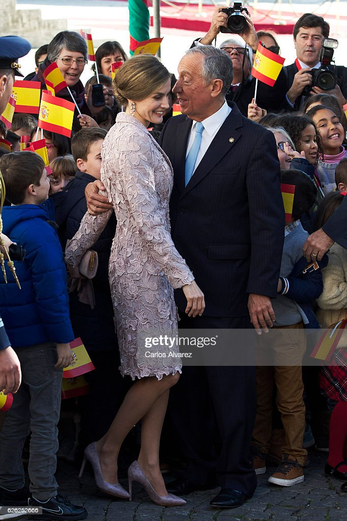Queen Letizia of Spain and President of Portugal Marcelo Rebelo de Sousa visit the Chamber of Commerce of Porto during the official visit to Portugal on November 28, in Porto, Portugal