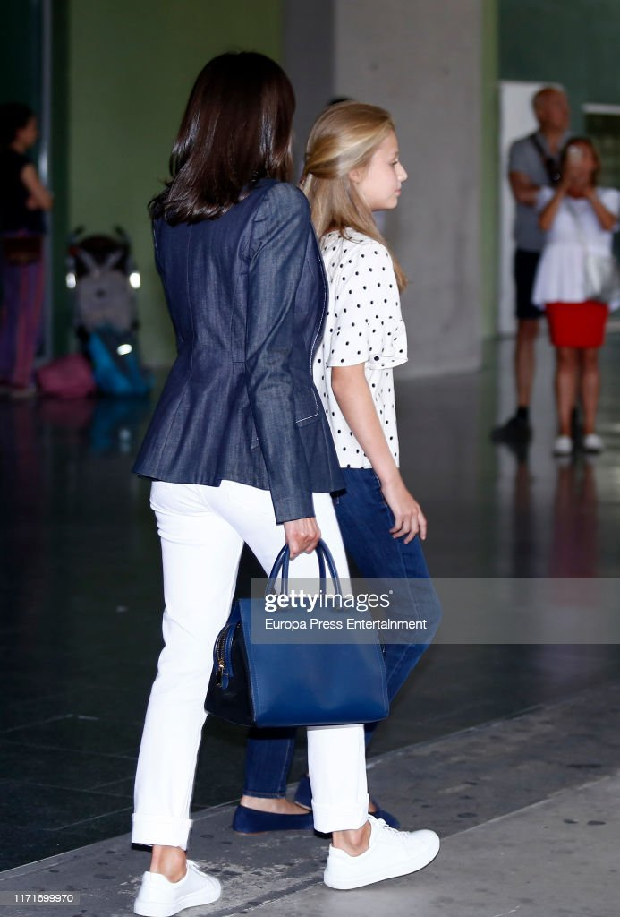 Queen Letizia of Spain and Princess Leonor of Spain visit King Juan Carlos At Quiron Hospital... : News Photo