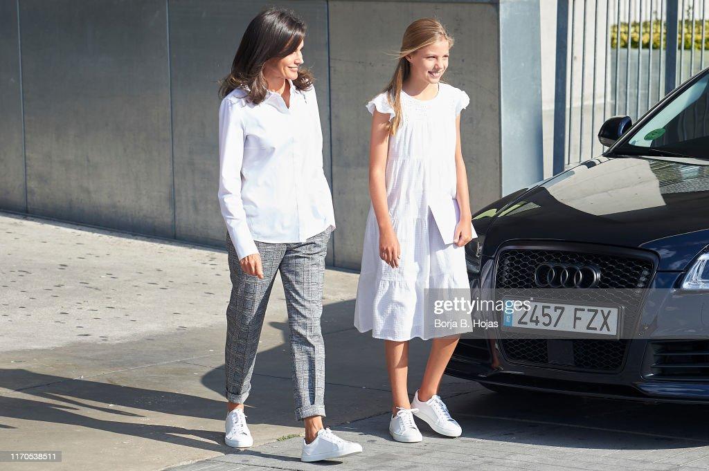 Spanish Royals Visit King Juan Carlos At Quiron Hospital : News Photo