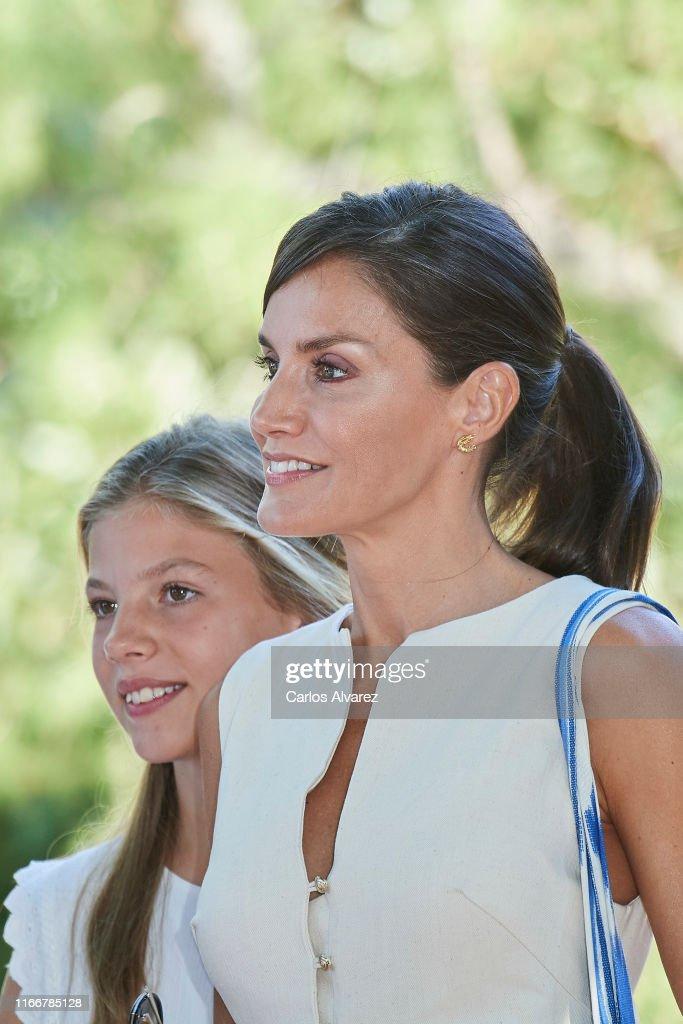 Spanish Royals Visit 'Son Marroig' Museum : Foto di attualità
