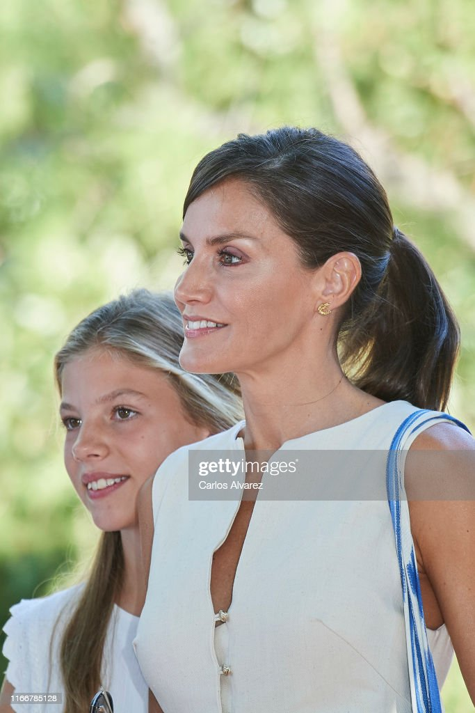 Spanish Royals Visit 'Son Marroig' Museum : Nieuwsfoto's