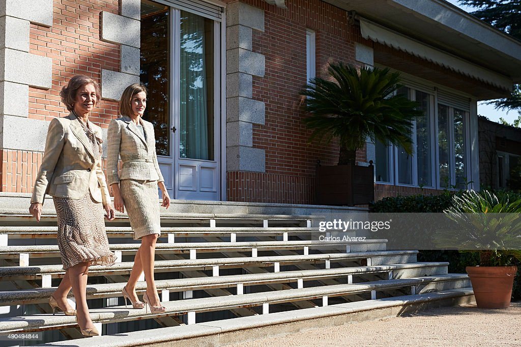 Queen Letizia of Spain and Queen Sofia Attend Audiences in Zarzuela Palace : News Photo