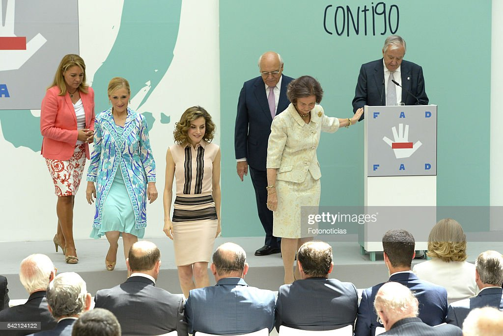 Queen Letizia of Spain (2nd L) and Queen Sofia (R) attend the FAD 30th Anniversary event at the Real Casa de Correos on June 22, 2016 in Madrid, Spain.