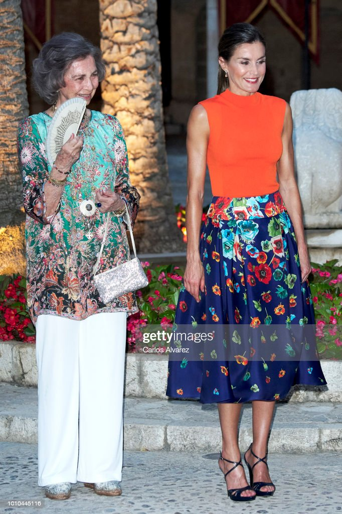 Queen Letizia of Spain (R) and Queen Sofia (L) host a dinner for authorities at the Almudaina Palace on August 3, 2018 in Palma de Mallorca, Spain.