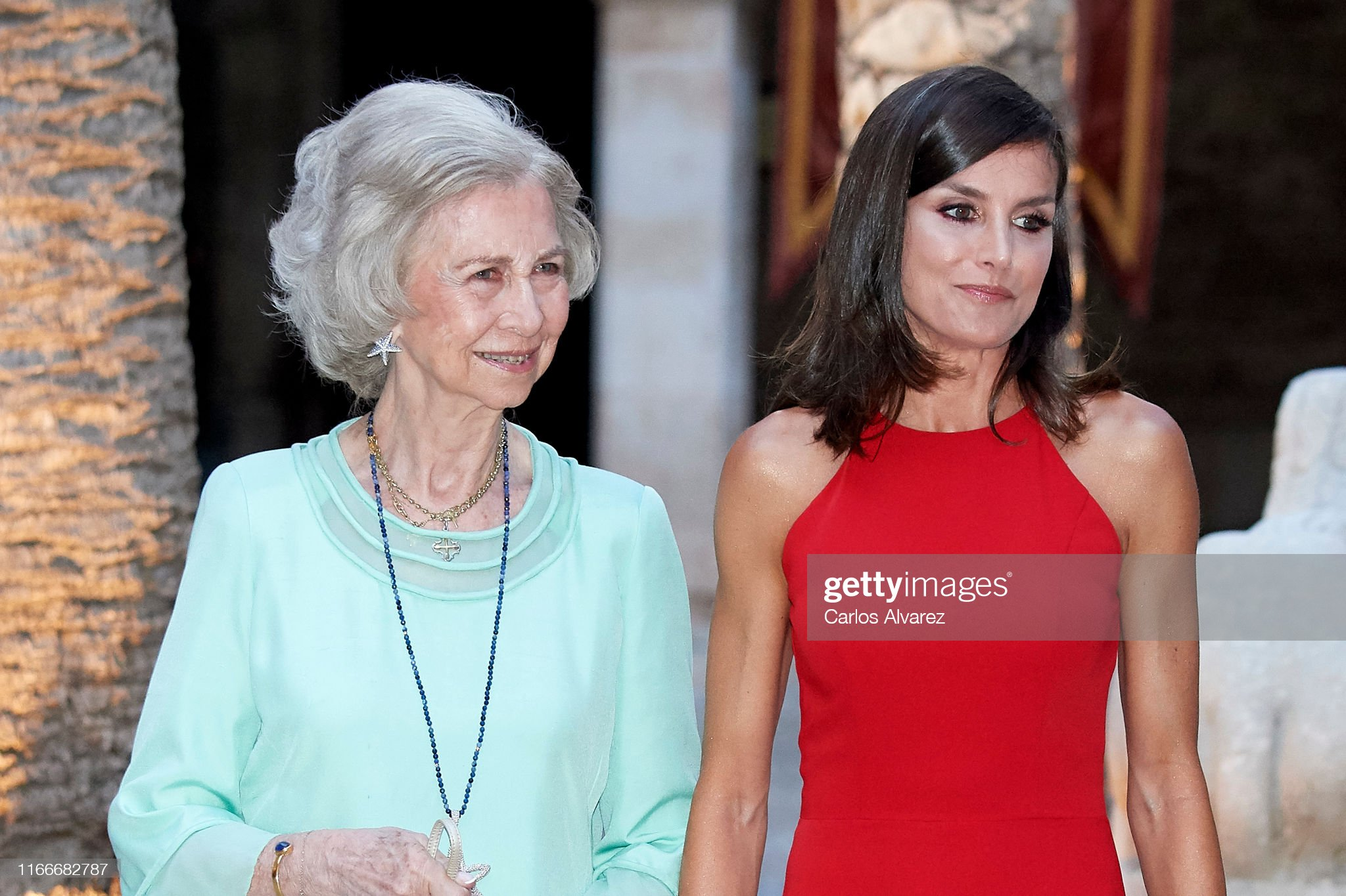 https://media.gettyimages.com/photos/queen-letizia-of-spain-and-queen-sofia-host-a-dinner-for-authorities-picture-id1166682787?s=2048x2048