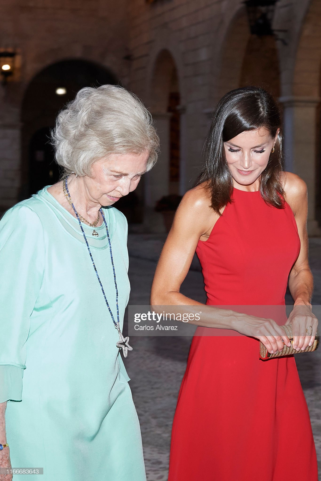https://media.gettyimages.com/photos/queen-letizia-of-spain-and-queen-sofia-host-a-dinner-for-authorities-picture-id1166683643?s=2048x2048