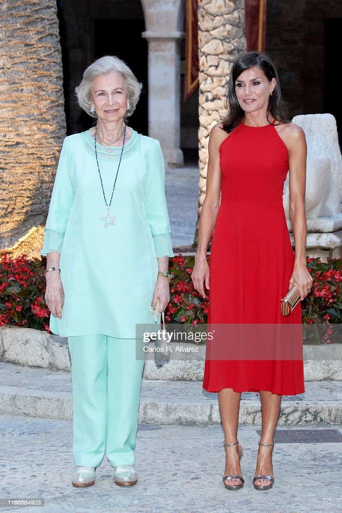 Spanish Royals Host A Dinner For Authorities In Palma De Mallorca : Nachrichtenfoto